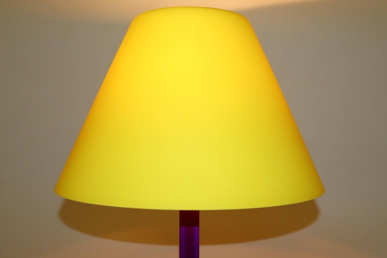 20th Century Carlo Nason Floor Lamp Murano Lemon Yellow Glass Diffuser Fuchsia Anodized Stem For Sale