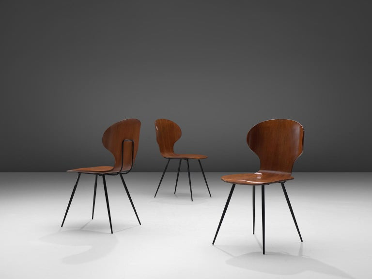 Mid-Century Modern Carlo Ratti Set of Fourteen Dining Chairs of Plywood and Metal For Sale