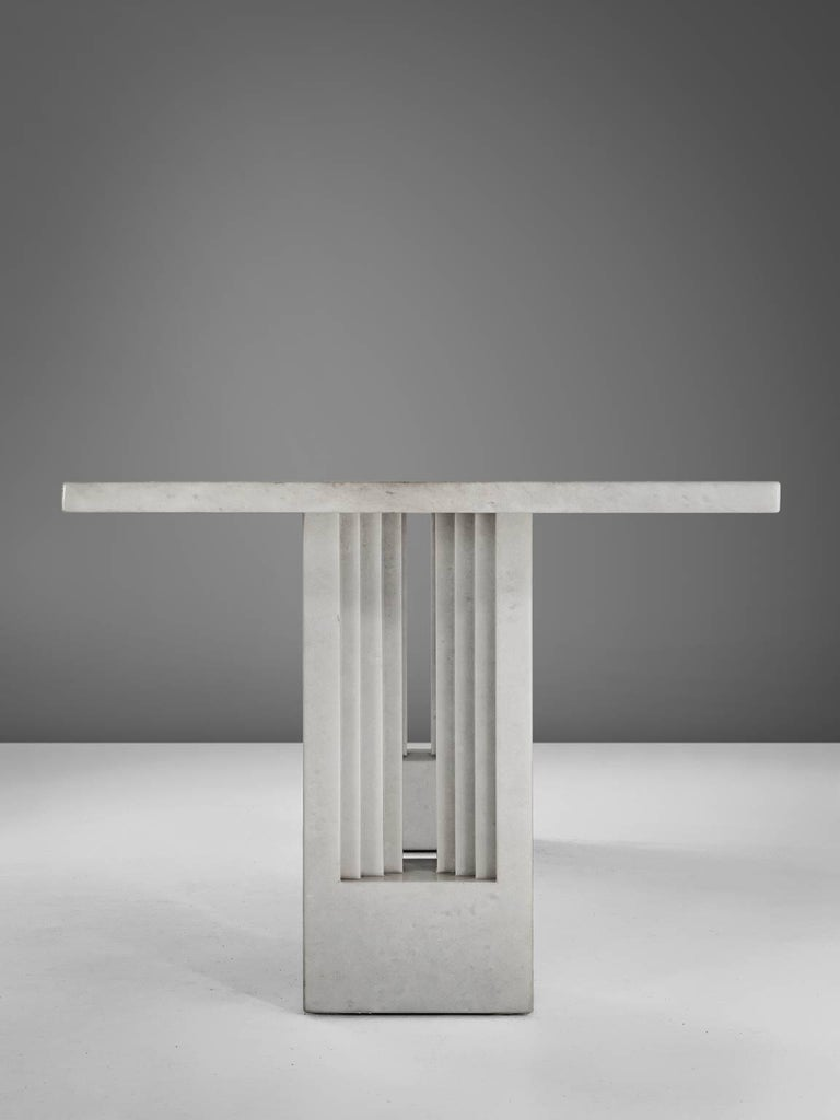 Carlo Scarpa & Marcel Breuer 'Delfi' Table in Marble  In Good Condition For Sale In Waalwijk, NL