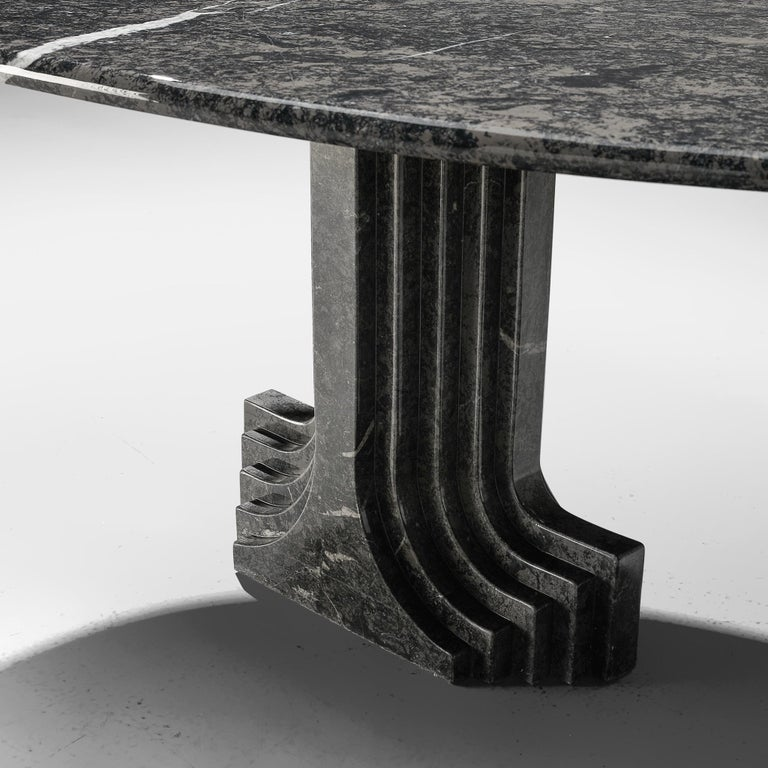 Carlo Scarpa 'Argo' Oval Dining Table in Grey Marble In Good Condition For Sale In Waalwijk, NL