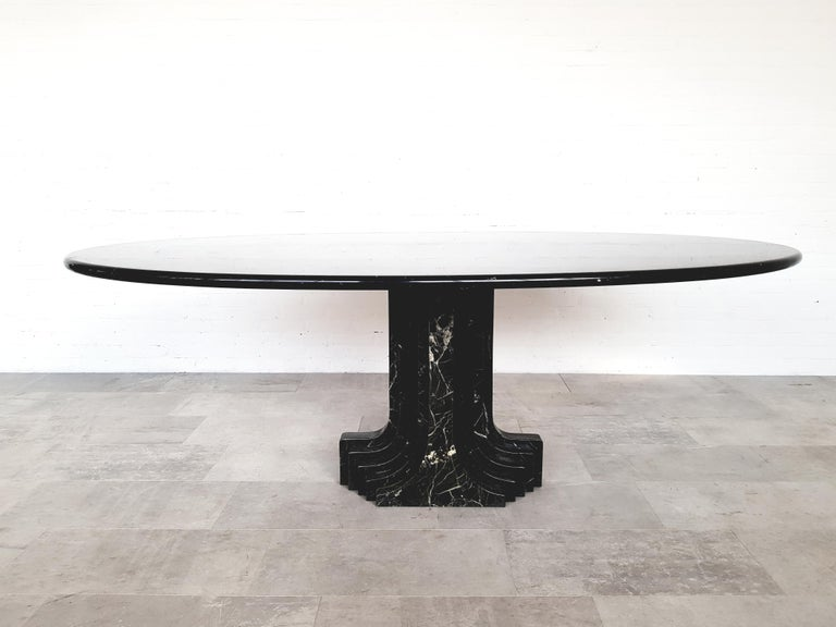 Carlo Scarpa Dining Table in Nero Marquina Marble For Sale 1