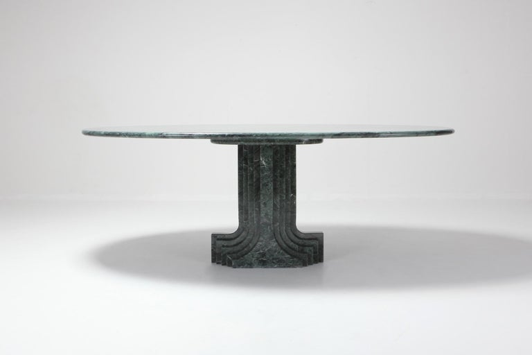 Carlo Scarpa Dining Table 'Samo' in a Rare Green Marble In Good Condition For Sale In Antwerp, BE