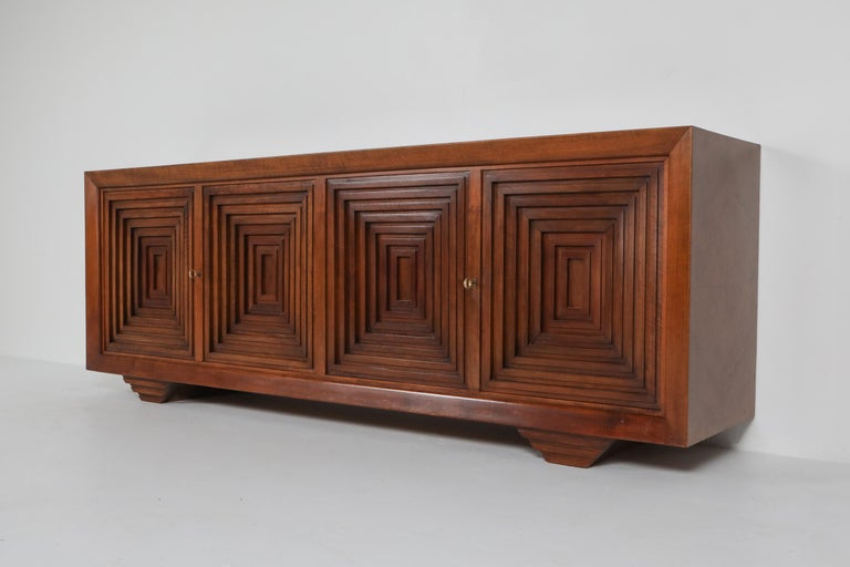 Carlo Scarpa masterpiece credenza in walnut, Italy 1960s In Good Condition For Sale In Antwerp, BE