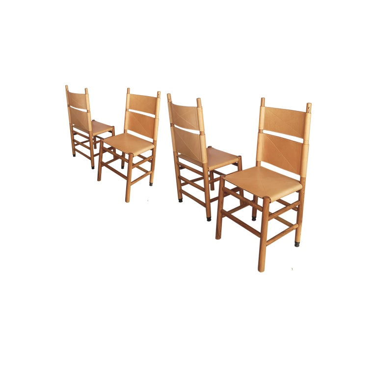 Carlo Scarpa Set of Four Italian Bernini Walnut Chairs with Natural Leather Seat For Sale 6