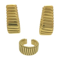 Carlo Weingrill 18 Karat Ribbed Earring and Ring Set