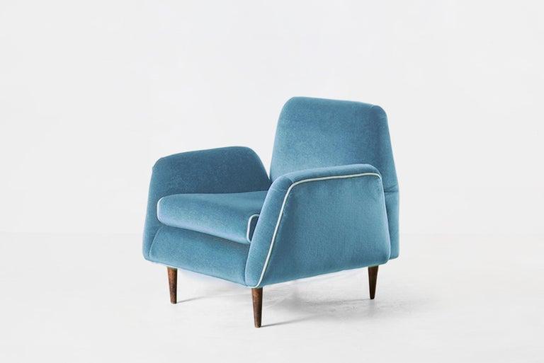 Mid-Century Modern Carlos Hauner & Martin Eisler Blue Velvet Pair of Armchairs, Brazil, 1955 For Sale