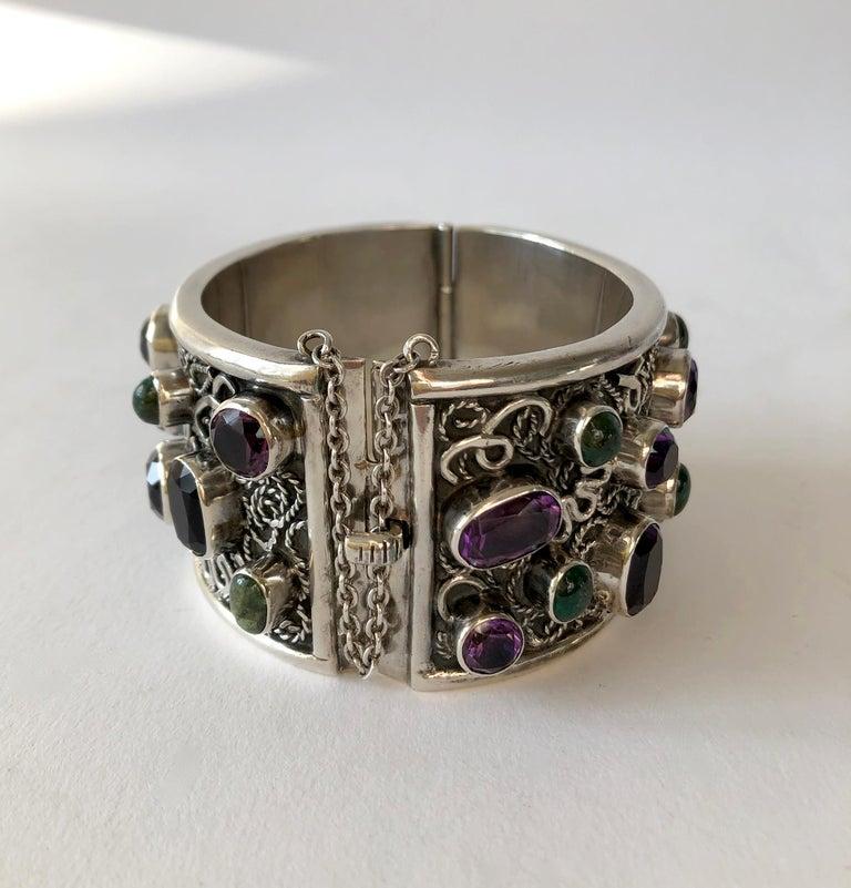 Artisan Carmen Beckmann Sterling Silver Amethyst Gemstone Mexican Modern Hinged Bracelet For Sale