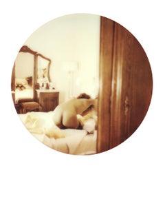 Oui, mon Cul #11 [Les Foxy Femmes de Carmen De Vos] - Polaroid, Color