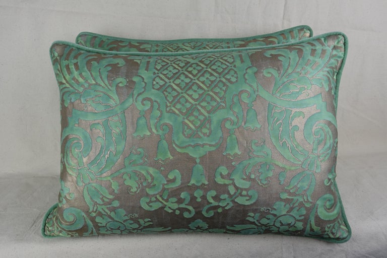 Carnavalet Patterned Fortuny Pillows, a Pair In Excellent Condition For Sale In Los Angeles, CA