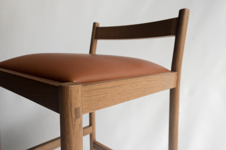 Carob Bar Stool by Sun at Six, Sienna Minimalist Stool in Oak Wood and Leather In New Condition For Sale In San Jose, CA