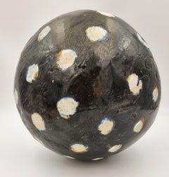 Untitled Sphere (Black, white)