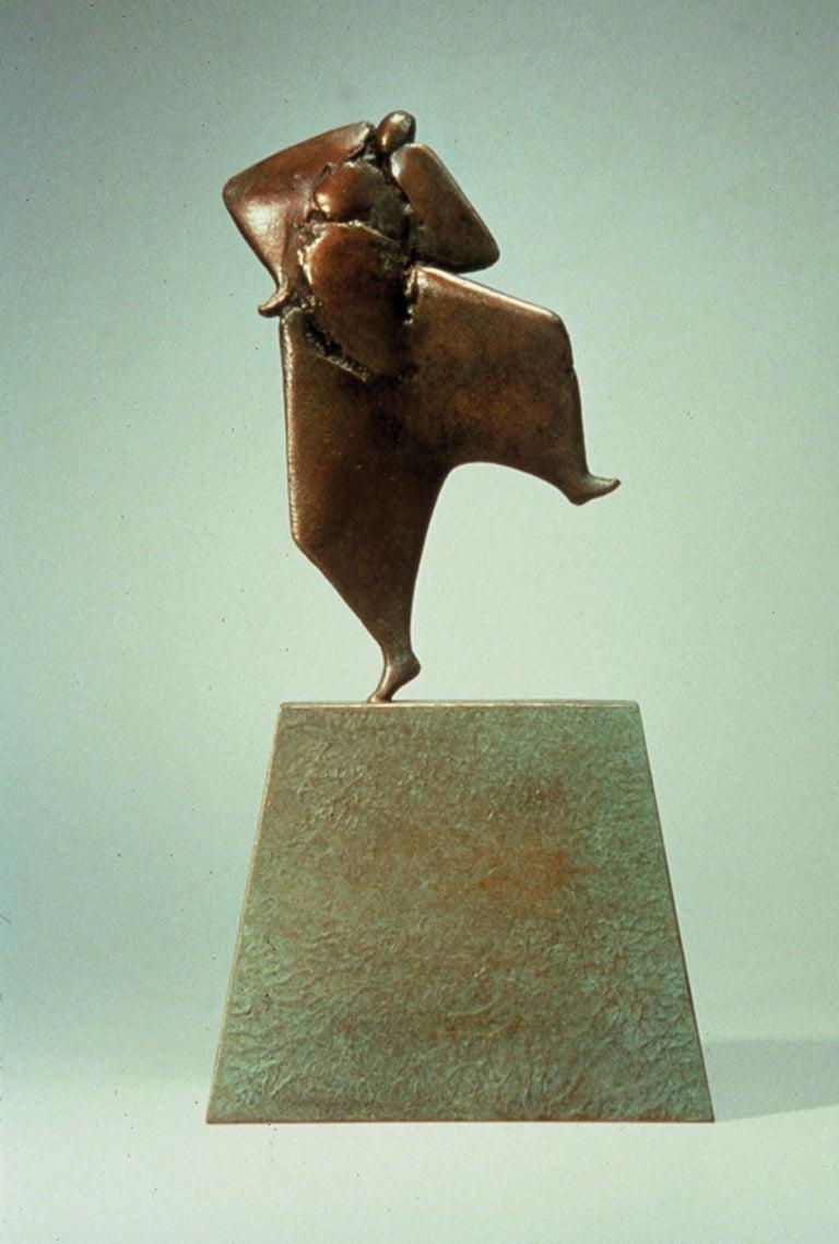 Carol Gold Abstract Sculpture - Pilar