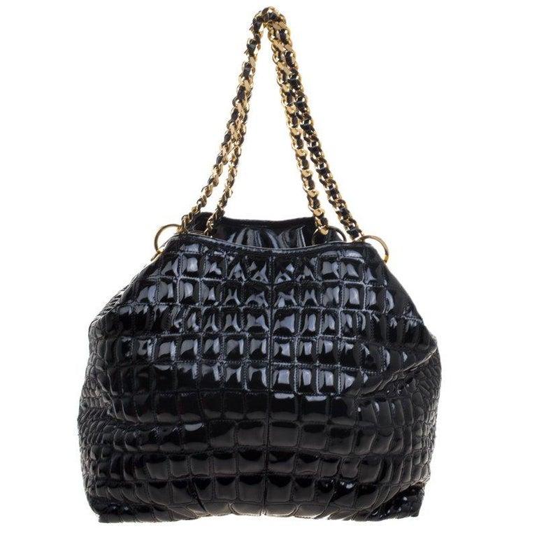 Women's Carolina Herrera Black Croc Embossed Patent Leather Tote For Sale
