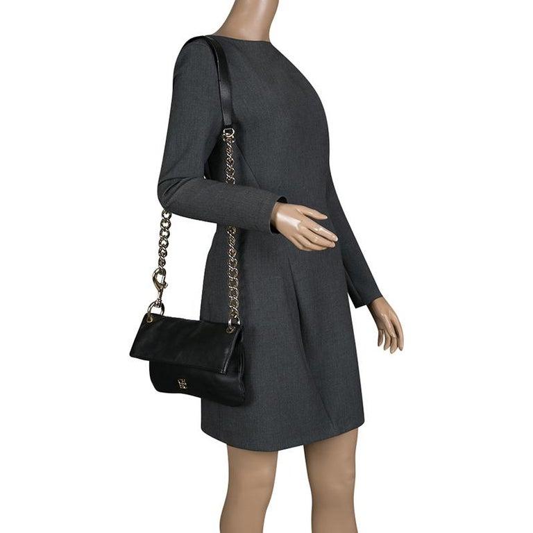 37e0915a9fc3 Carolina Herrera Black Leather Chain Shoulder Bag In Good Condition For Sale  In Dubai