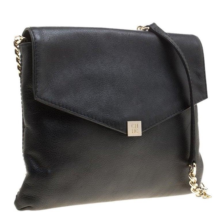 28bcd77d6957 Carolina Herrera Black Leather Envelope Shoulder Bag In Good Condition For  Sale In Dubai