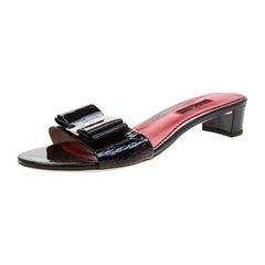 Carolina Herrera Black Patent Leather Slides Size 40