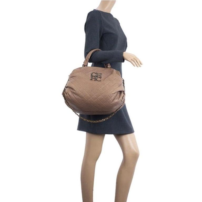 Carolina Herrera Brown Quilted Convertible Tote In Good Condition For Sale In Dubai, Al Qouz 2