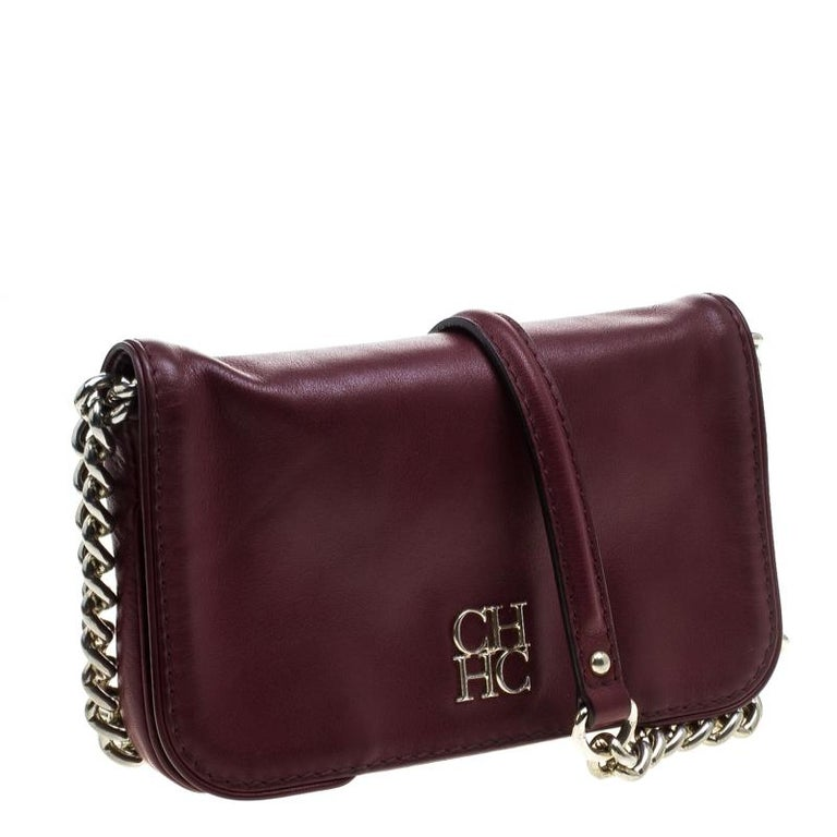 Carolina Herrera Burgundy Leather New Baltazar Crossbody Bag In Good Condition For Sale In Dubai, AE
