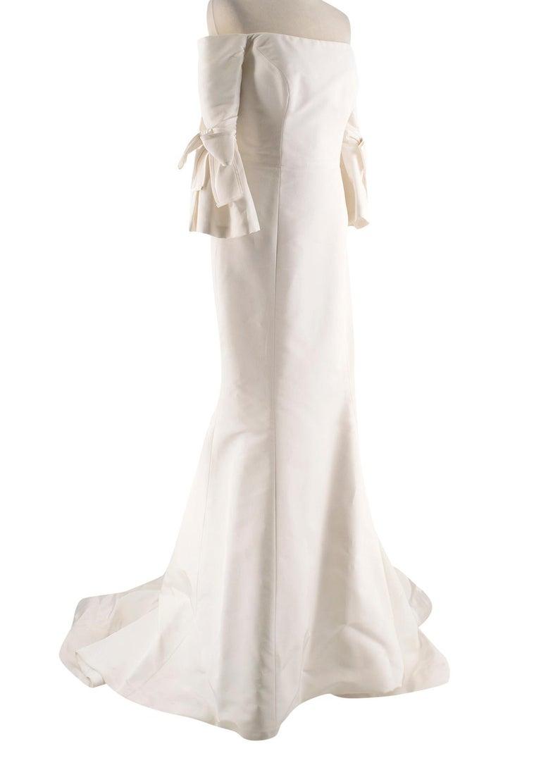 Carolina Herrera Faye Off The Shoulder Silk Faille Mermaid Gown XS In Excellent Condition For Sale In London, GB