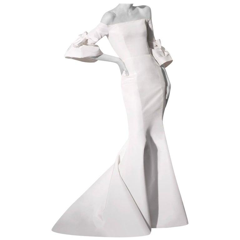 Carolina Herrera Faye Off The Shoulder Silk Faille Mermaid Gown XS For Sale