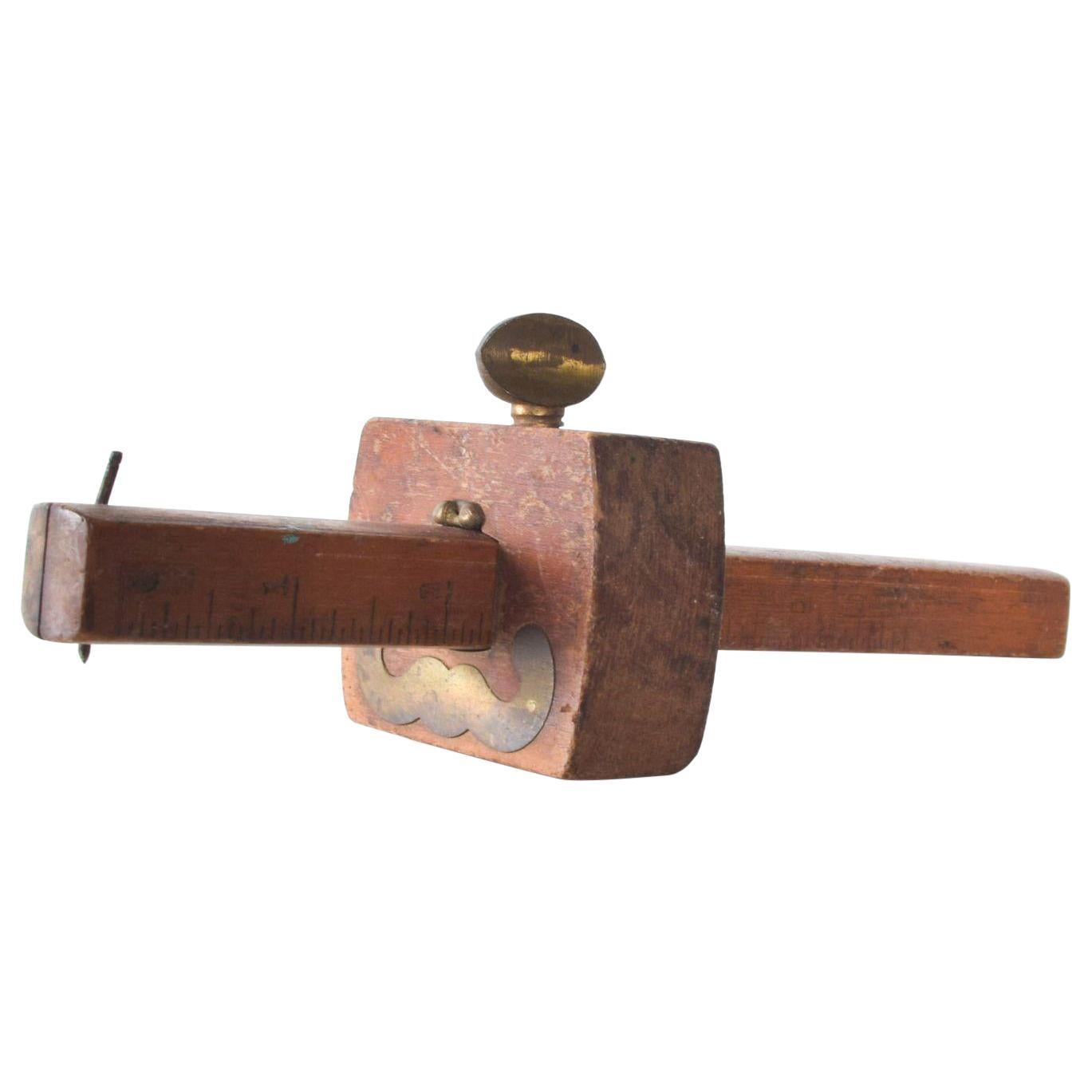 Carpenter Scribe Marking Gauge Vintage Wood Working Tool in Wood and Brass