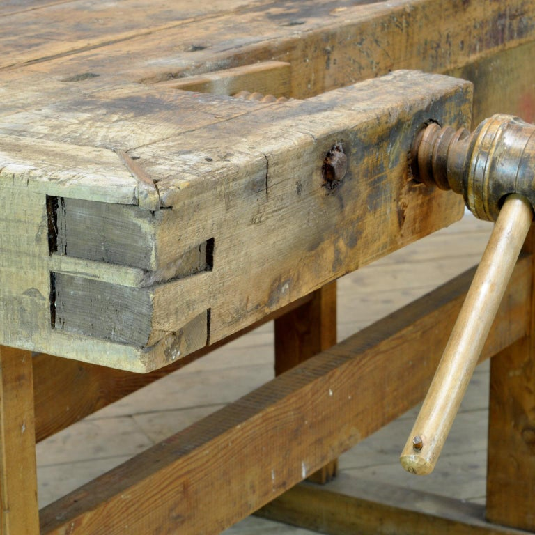 Carpenters Oak Workbench, circa 1900 For Sale 5