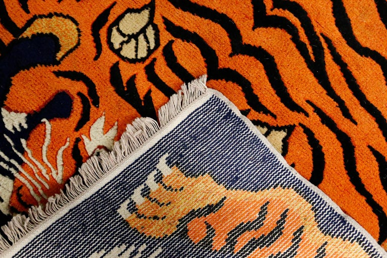 Carpet Tibetian Tiger of the 20th Century In Good Condition For Sale In Milano, IT