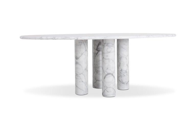 Minimalist Mario Bellini's 'Il Colonnata' oval table in white marble For Sale