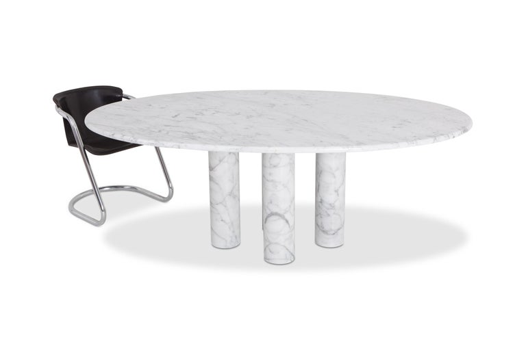 Mario Bellini's 'Il Colonnata' oval table in white marble In Excellent Condition For Sale In Antwerp, BE