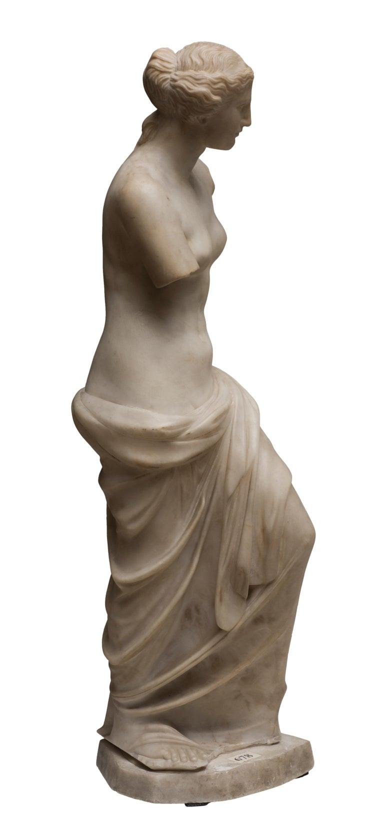 Carved Carrara Marble Sculpture Copy of Venus de Milo by French Sculptor, circa 1820 For Sale