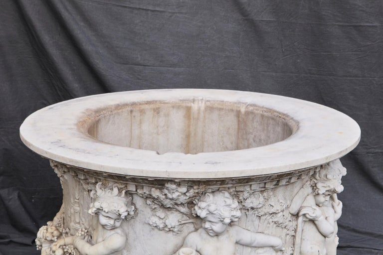 Carrara Marble Wellhead with Intricate Carvings Raised on Octagonal Base, 1920s For Sale 8
