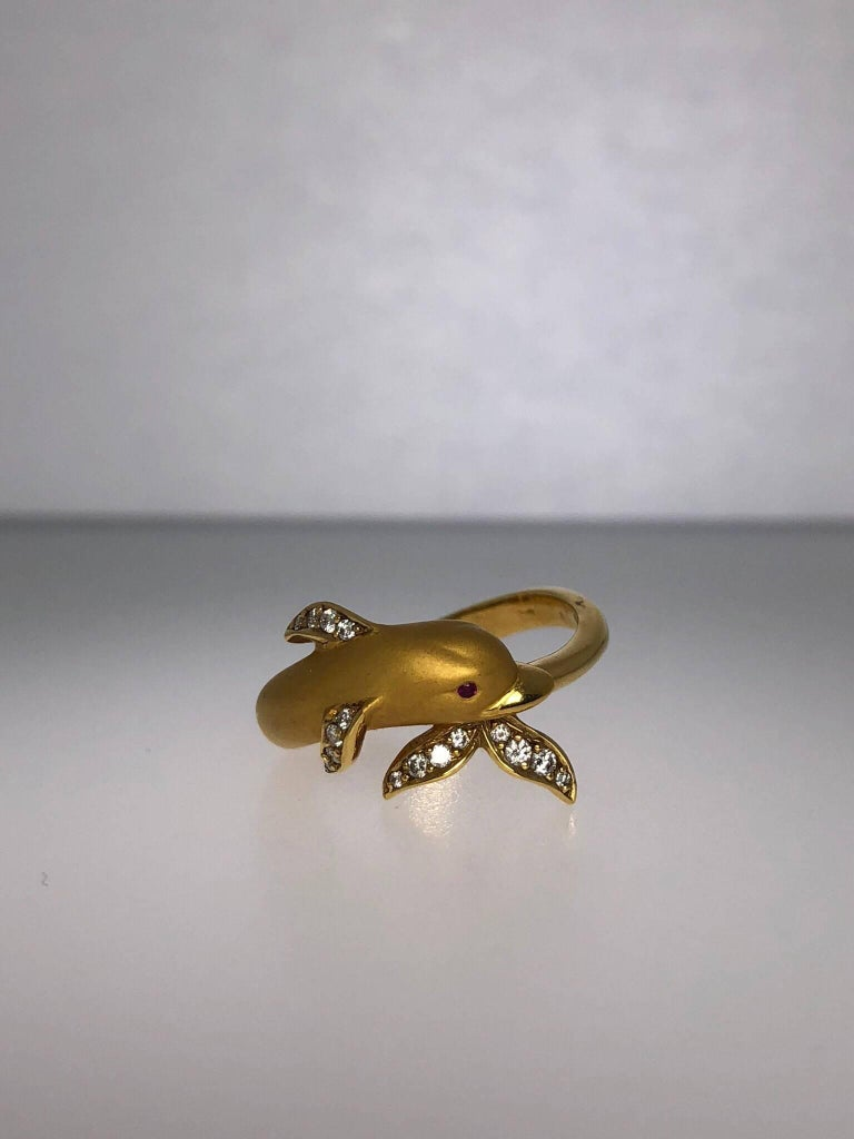 Carrera y Carrera 18 Karat Gold and Diamond Dolphin Ring For Sale 1