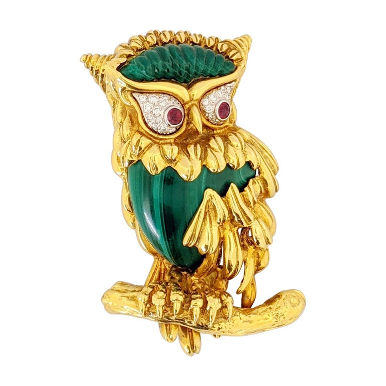 Carrera Y Carrera 18 Karat Gold Owl Brooch with Diamond, Malachite and Ruby For Sale
