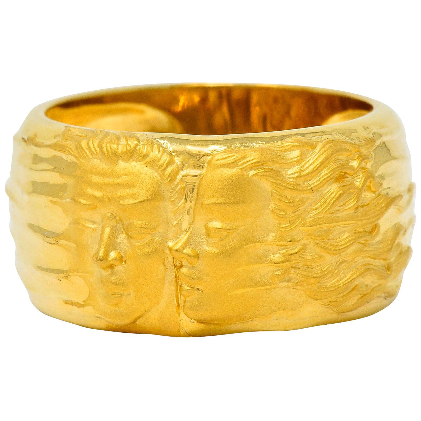 Carrera y Carrera 18 Karat Yellow Gold Adam and Eve Band Ring, circa 1990