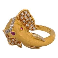 Carrera Y Carrera 18 Karat Yellow Gold and .24 Carat Diamond Elephant Ring