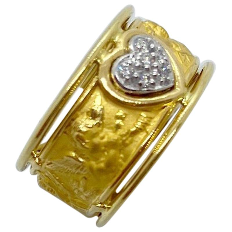 Carrera y Carrera 18 Karat Yellow Gold Band with Angels and Diamond Heart Center