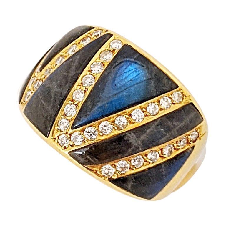 Carrera Y Carrera 18 Karat Yellow Gold, Diamond and Labradorite Ring