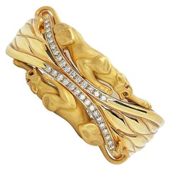 Carrera Y Carrera 18 Karat Yellow Gold Twin Panther Cuff Bracelet with Diamonds
