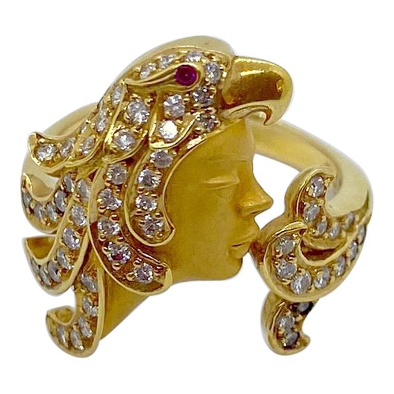 Carrera y Carrera 18 Karat Yellow Gold Woman with Diamond Parrot Headress Ring