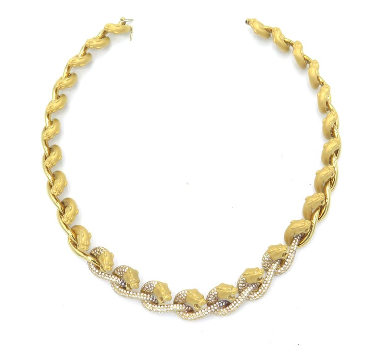 Women's or Men's Carrera y Carrera 18 Karat Yellow Gold and Diamond Necklace and Earring Set For Sale
