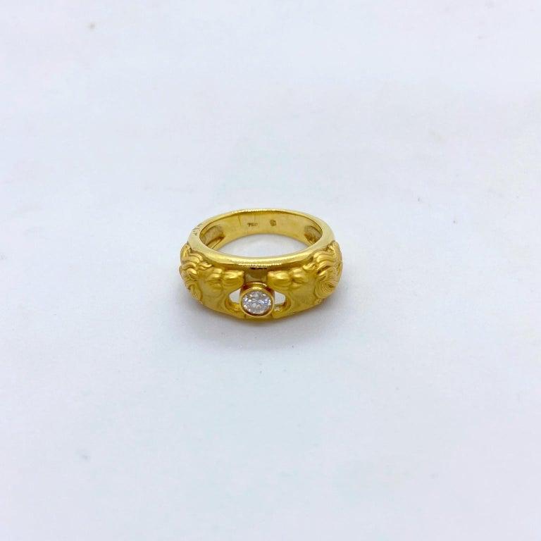 Round Cut Carrera y Carrera 18 Karat Gold Double Lions Head Ring with .21 Carat Diamond