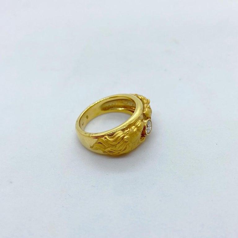 Women's or Men's Carrera y Carrera 18 Karat Gold Double Lions Head Ring with .21 Carat Diamond
