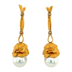Carrera y Carrera 18kt Yellow Gold Gardenia Earrings with South Sea Pearls