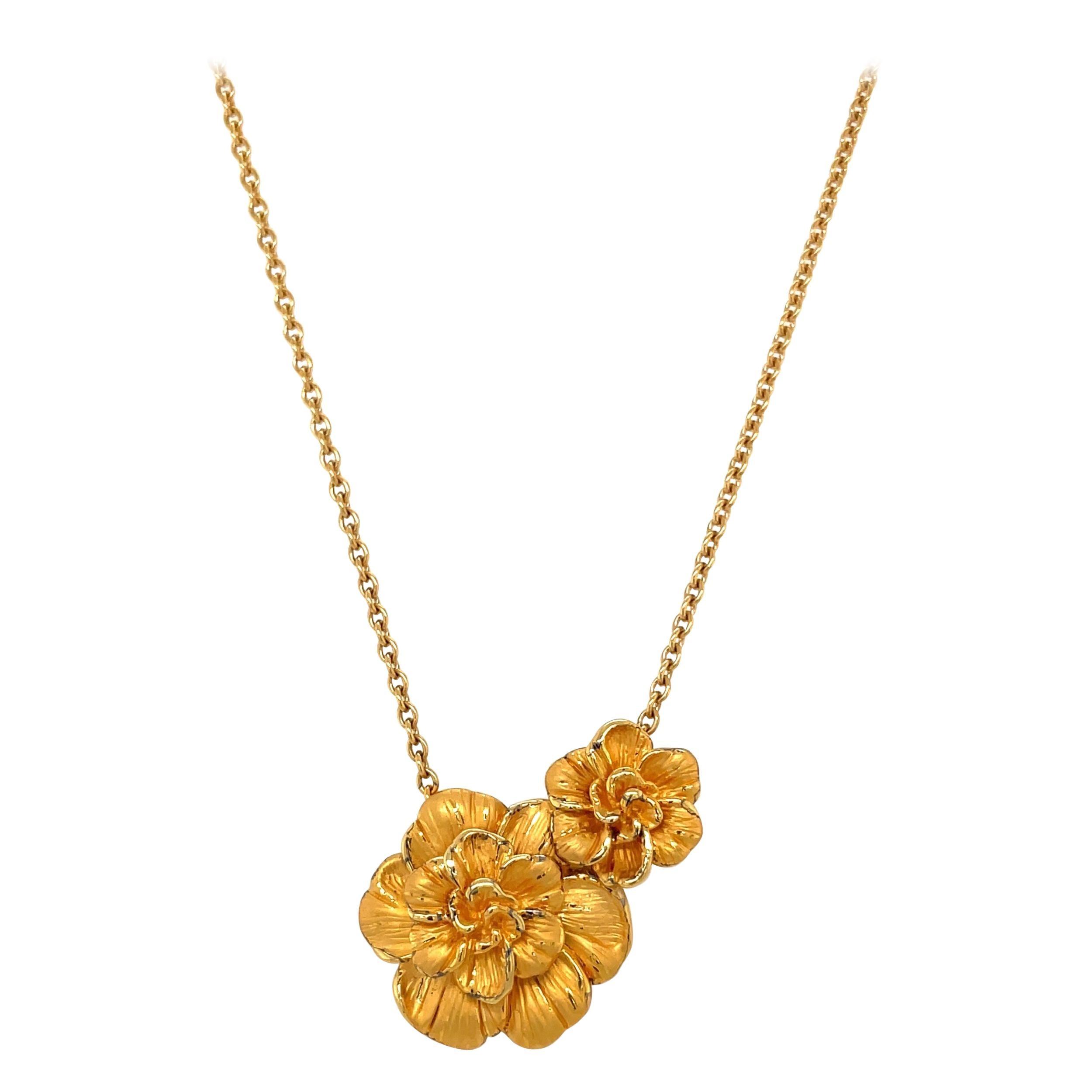 Carrera y Carrera 18kt Yellow Gold Gardenia Flower Necklace