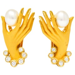 Carrera y Carrera Diamond Pearl 18 Karat Gold Las Manos Hand Earrings
