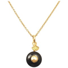 Carrera Y Carrera Ginkgo Black Onyx Yellow Gold Pendant Necklace