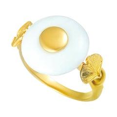 Carrera y Carrera Ginkgo Leaf 18 Karat Yellow Gold White Agate Round Ring