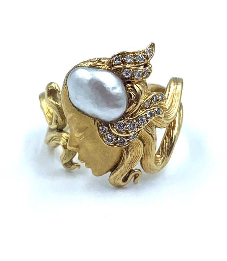 Carrera y Carrera Pearl and Diamond Maiden or Face of Woman Ring In Good Condition For Sale In Brownsville, PA