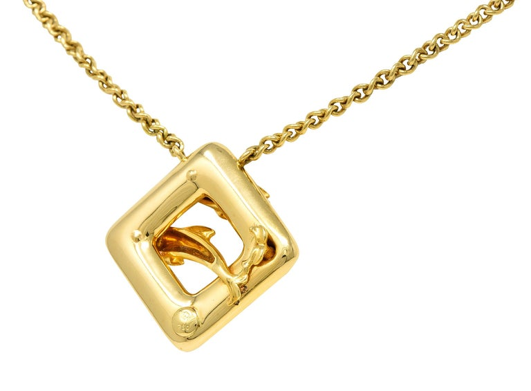 Round Cut Carrera Y Carrera Vintage 18 Karat Yellow Gold Dolphin Necklace For Sale