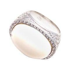 Carrera y Carrera's Aqua Ring 18k White Gold Diamonds White Agate